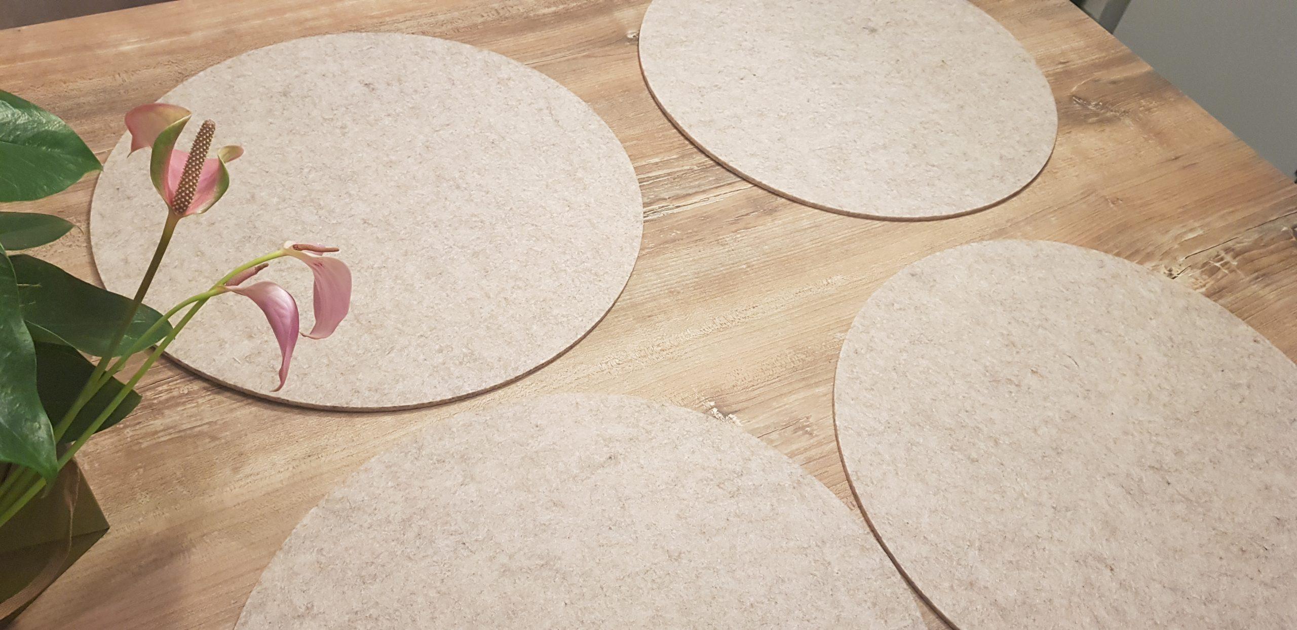 Cremefarbene Filz-Untersetzter rund - Handgemachte individualisierbare Taschen, Körbe, Tischsets, Dekoartikel und mehr auf fideko.de der Onlineshop seit 2011