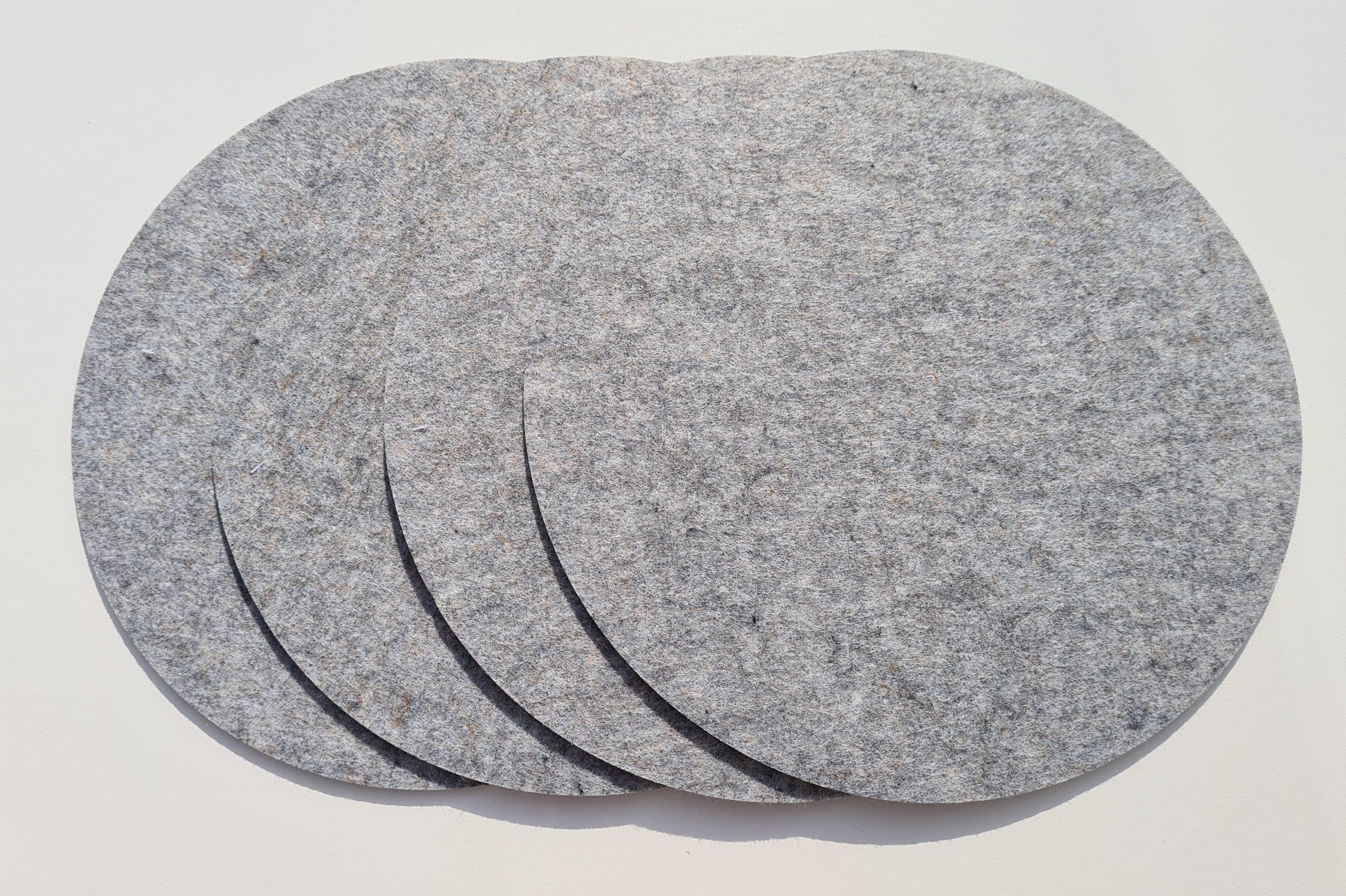 Hellgraue Filz-Untersetzter rund - Handgemachte individualisierbare Taschen, Körbe, Tischsets, Dekoartikel und mehr auf fideko.de der Onlineshop seit 2011