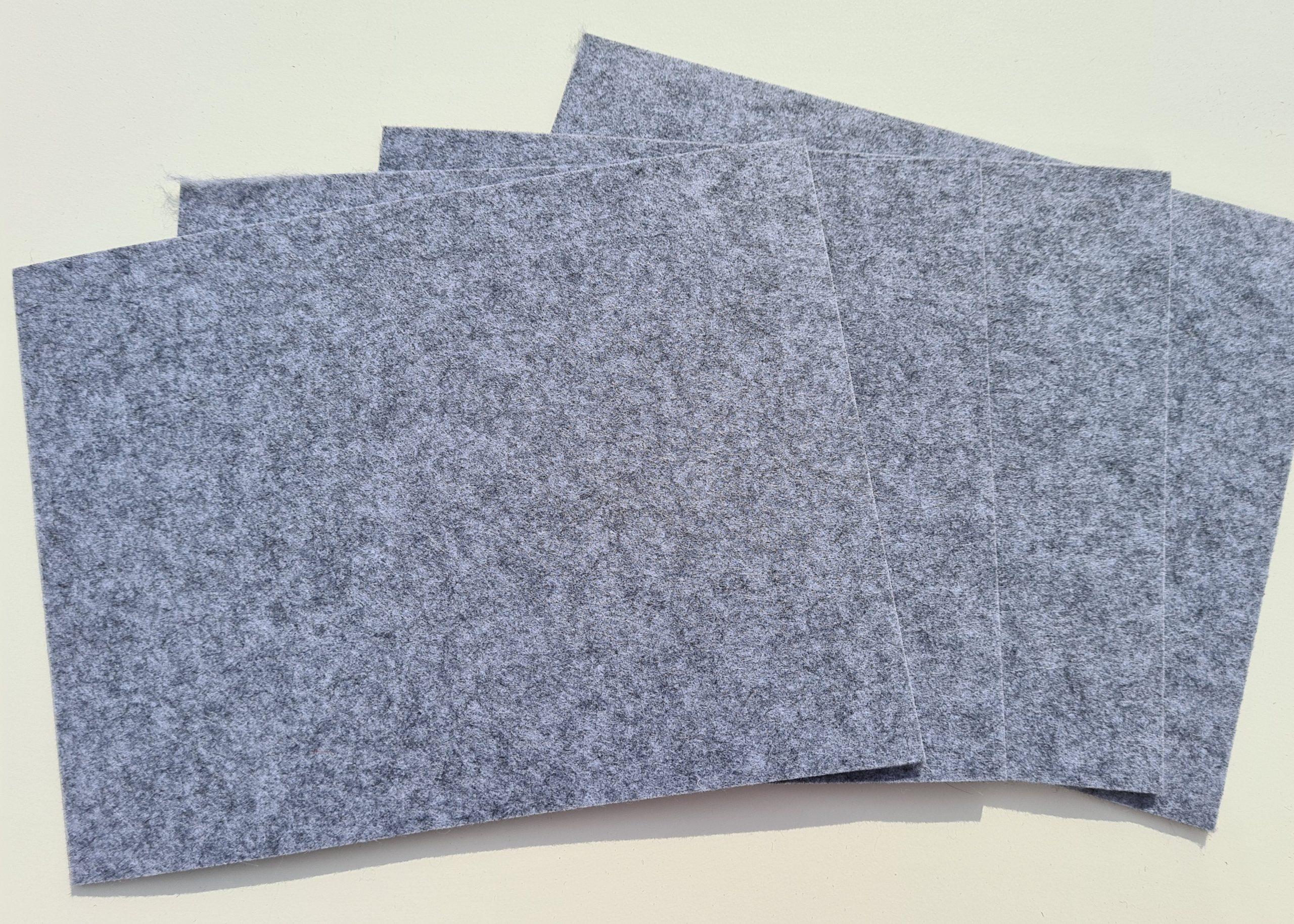 Hellgraue Filz-Untersetzter quadratisch - Handgemachte individualisierbare Taschen, Körbe, Tischsets, Dekoartikel und mehr auf fideko.de der Onlineshop seit 2011