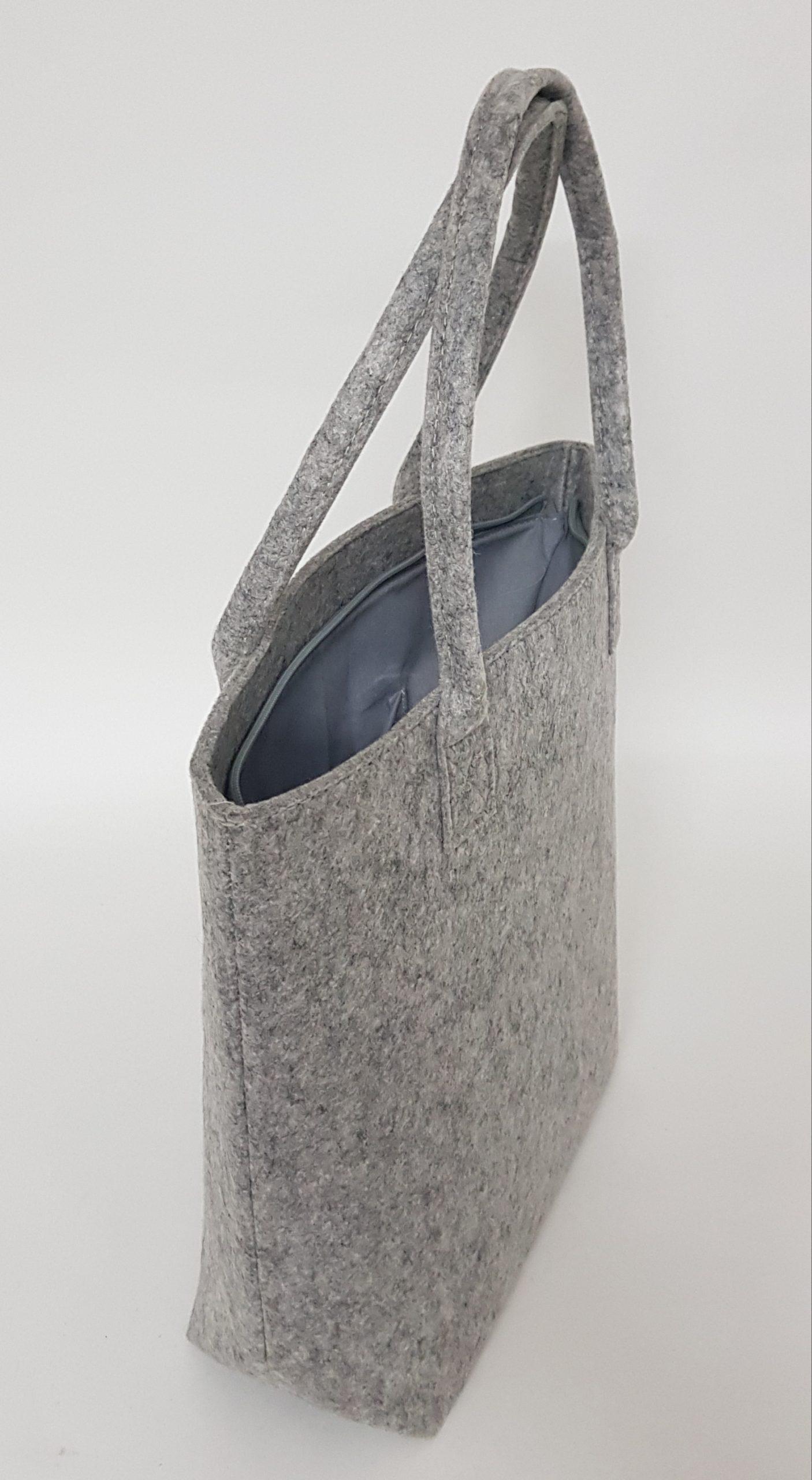 Tasche-Claudia in hellgrau aus Filz - Handgemachte individualisierbare Taschen, Körbe, Tischsets, Dekoartikel und mehr auf fideko.de der Onlineshop seit 2011