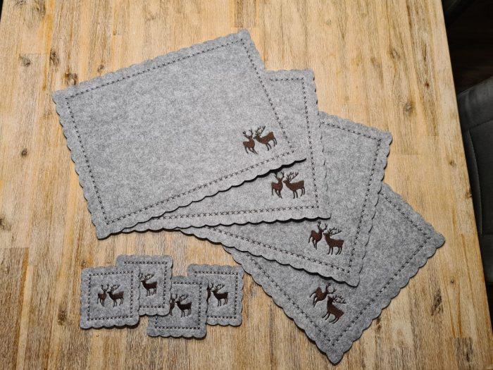 Graue Filz-Untersetzter mit zwei Hirschen quadratisch groß und klein - Handgemachte individualisierbare Taschen, Körbe, Tischsets, Dekoartikel und mehr auf fideko.de der Onlineshop seit 2011